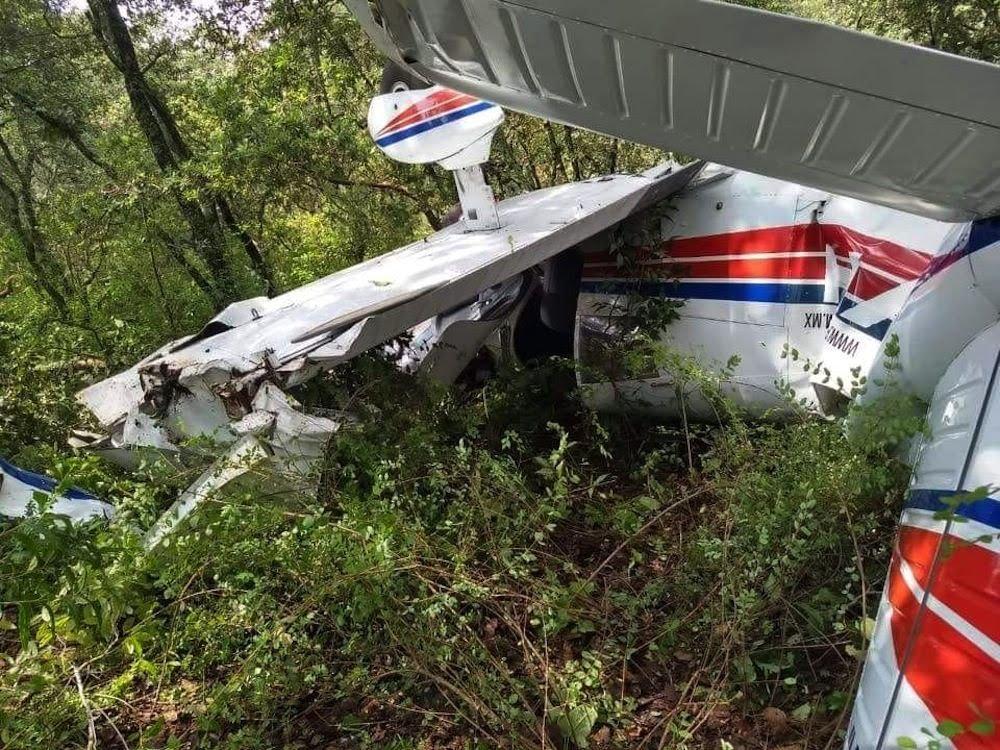 Accidentes de Aeronaves (Civiles) Noticias,comentarios,fotos,videos.  - Página 13 Cayo-avioneta-en-bosque-de-la-cruz-de-san-bartolo-en-amealco-1